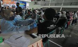 In Picture: Vaksinasi Massal Peringati Hari Bhayangkara