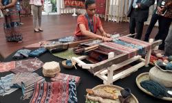 Smesco akan Bantu Buka Akses Pasar Produk Wastra Nusantara