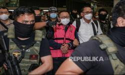In Picture: Buron Kasus Pembalakan Adelin Lis Tiba di Indonesia