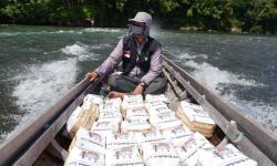 In Picture: Kurban untuk Mereka, Sang Pencari Karet di Desa Ludai
