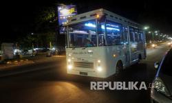 In Picture: Mengintip Cafe Bus Keliling di Pekalongan