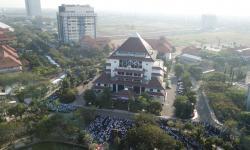Unair Surabaya Tambah Tiga Guru Besar Baru