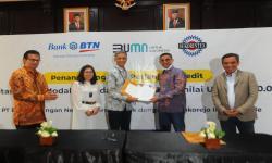 In Picture: BTN Berikan Pinjaman Modal Kerja Usaha Sarung Wadimor
