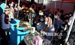 In Picture: Penjual Takjil di Bali