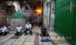 Karena Sholat Jumat, Imam Besar Al Aqsa Ditahan