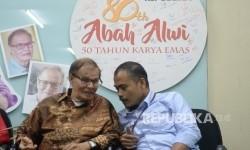 Abah Alwi Sosok Ensiklopedi Berjalan