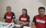 (ki-ka) Manager Tim PB Djarum Fung Permadi, legenda bulutangkis Susy Susanti dan Sekjen PBSI Achmad Budiharto di GOR Satria, Purwokerto, Senin (9/9).