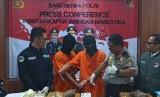 Dua tersangka penyelundup 70 kilogram sabu dari Malaysia.