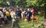 Jenazah wanita memakai pakaian minim ditemukan mengambang di Sungai Ciliwung Bogor
