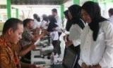 Setiap hari ada puluhan wanita ikut ujian cpns di Jawa Tengah.