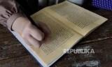 Mukhsathar Abi Jamrah disederhanakan tanpa memuat sanad Shahih Bukhari. Ilustrasi kitab kuning