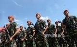 Prajurit TNI dan personel Polri (ilustrasi)