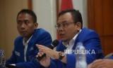Wakil Ketua Komisi IX Saleh Partaonan Daulay (kanan)