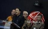 Peluncuran Indeks Baru BEI. Direktur Utama BEI Tito Sulistio memberikan sambutan pada peluncuran indeks saham di Bursa Efek Indonesia, Jakarta, Kamis (17/5).