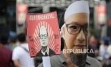 Menggugat Penyelesaian 2 Tahun Novel Baswedan. Warga millenial menghadiri peringatan 2 tahun  Novel Baswedan di Ha Novel Baswedanaman KPK, Jakarta, Kamis (11/4/2019).