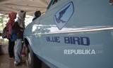 Bluebird menggandeng DANA menyediakan alternatif pembayaran bagi pelanggan.