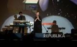 Penyanyi Rossa mengemas lagu yang dipopulerkannya pada 2009 dalam bahasa Korea. Lagu Hati yang Kau Sakiti kini diperkenalkan dengan versi Korea, Sangcheo Badeun Maeum.