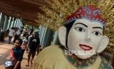 Sejumlah wisatawan saat mengunjungi Setu Babakan, Jakarta