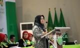 Sidang Senat Terbuka.  Ketua Umum Pimpinan Pusat Aisyiyah, Siti Noordjannah menyampaikan sambutan saat sidang senat terbuka Universitas Aisyiyah di Yogyakarta, Rabu (2/10/2019).