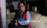 SIDANG TUNTUTAN. Terdakwa kasus penghilangan barang bukti dan pengaturan skor Joko Driyono meninggalkan Pengadilan Negeri Jakarta Selatan, Kamis (4/7).
