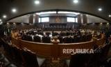 Suasana Sidang Perselisihan Hasil Pemilihan Umum (PHPU) Presiden dan Wakil Presiden 2019 di Gedung Mahkamah Konstitusi, Jakarta, Kamis (27/6).