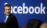 Facebook Tertimpa Masalah, Mark Zuckerberg Justru Asik Berkemah. (FOTO: Reuters/Stephen Lam)