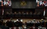 Suasana sidang lanjutan Perselisihan Hasil Pemilihan Umum (PHPU) Pemilihan Presiden (Pilpres) 2019 di Gedung Mahkamah Konstitusi, Jakarta, Selasa (18/6).