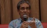 Pendiri Network for Democracy and Electoral Integrity (Netgrit), Hadar Nafis Gumay memaparkan pendapatnya  saat diskusi tentang 20 tahun reformasi politik di Jakarta, Selasa (29/5).