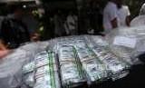 Barang bukti obat-obatan yang diperlihatkan saat rilis pengungkapan kasus tindak pidana peredaran yang diduga palsu dan obat keras ilegal di Mapolda Metro Jaya, Jakarta, Selasa (18/9).