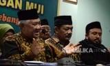 Ketua Dewan Pertimbangan MUI Din Syamsuddin memberikan keterangan usai menggelar rapat pleno ke-38 Dewan Pertimbangan MUI di Kantor MUI, Jakarta, Rabu (24/4).