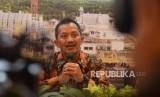 Dirut PGN Jobi Triananda Hasjim (tengah) memberikan keterangan usai Rapat Umum Pemegang Saham Tahunan (RUPST) 2018 di Jakarta, Kamis (26/4).