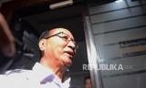 Mantan Kapolda Metro Jaya Komjen (Purn) Muhammad Sofyan Jacob saat tiba untuk pemeriksaan di Ditreskrimum Polda Metro Jaya, Jakarta,  Senin (17/4).
