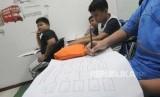 Anak-anak mengikuti kegiatan bimbingan belajar (ilustrasi)