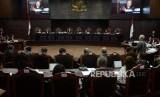 Hakim MK Sempat Sebut KPU Selalu <em>Ngeles</em>