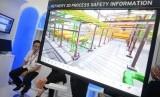 Peserta pameran menunjukan teknologi terkini / Ilustrasi