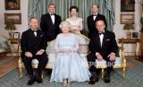 Pangeran Philip Lamar Ratu Elizabeth Lewat Surat ke Ibu Ratu