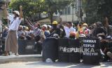 Pendukung Militer Bacok Ketua 'Partai Suu Kyi' Hingga Tewas