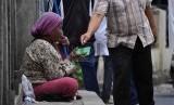 Menjelang Natal dan Tahun Baru, Dinsos DKI Jakarta akan mengamankan gelandangan dan pengemis. Foto gelandangan dan pengemis. (ilustrasi)