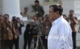 Mengapa Prabowo Bersedia Menjadi Pembantu Jokowi?