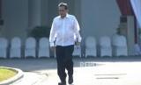 Menteri Perdagangan Agus Suparmanto mengatakan stok bahan pokok mencukupi.