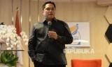 Menteri BUMN Erick Thohir memberikan sambutan pada acara serah terima jabatan di Kementerian BUMN, Jakarta, Rabu (23/10).