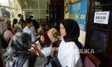 Peningkatan Pemohon SKCK. Warga mengajukan permohonan SKCK di Polresta Kota Yogyakarta, Rabu (13/11).