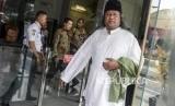 Ulama KH. Ahmad Muwafiq atau Gus Muwafiq usai memberikan tausiyah saat kegiatan Silaturahmi Kebangsaan dan Doa Bersama untuk Negeri di Gedung KPK, Jakarta, Rabu (20/11).