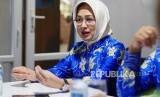 RAKOR APEKSI. Ketua APEKSI yang juga Walikota Tangerang Selatan, Airin Rachmi Diany, berfoto usai pembukaan acara Rapat Koordinasi Komisariat Wilayah III Asosiasi Pemerintah Kota Seluruh Indonesua (APEKSI) 2019 di Tangerang, Banten, Kamis (5/12).