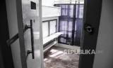 Suasana salah satu kamar tahanan yang telah direnovasi di Lembaga Pemasyarakatan (Lapas) Kelas 1 Sukamiskin, Jalan A. H. Nasution, Kota Bandung. (ilustrasi)