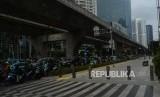 Kondisi trotoar di Jalan Dr. Satrio usai revitalisasi, Jakarta, Rabu (15/1).