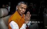 Komisioner KPU Wahyu Setiawan usai menjalani pemeriksaan di Gedung KPK, Jakarta, Rabu (15/1).