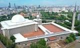 Islam moderat di Indonesia menjadi modal promosi di dunia internasional. Foto udara renovasi Masjid Istiqlal di Jakarta, Selasa (28/1/2020).