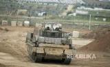 Ratusan personil militer zionis Israel, Jumat (30/3), berkumpul di sekitar perbatasan dengan peralatan militer lengkap.