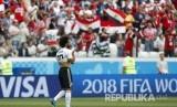 Selebrasi pesepak bola Mesir Mohamed Salah setelah berhasil menjebol gawang Arab Saudi pada pertandingan grup A Piala Dunia 2018 di  Volgograd Arena, Senin (25/6) WIB.